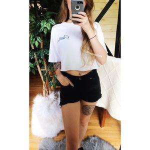 🌿 Levi's • High Waist Frayed Denim Shorts 🌿